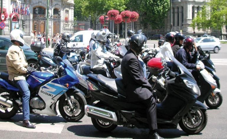 El Ayuntamiento de Madrid prohibirá conducir en Moto, por la contaminación..!!