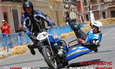 Acrobatic Sidecar Show