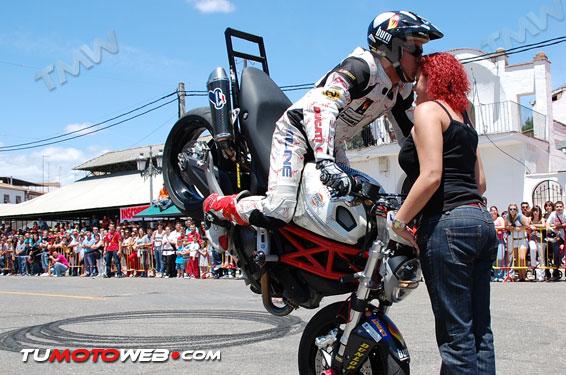 Show Stunt Emilio Zamora