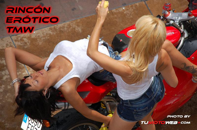 Show Chicas Lavamotos Ducati 748