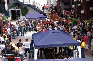 show-chicas-lavamotos-ducati-748-10