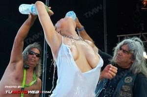 concentracion-faro-concurso-camisetas-mojadas-14