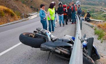 Fomento cambiará guardarraíles en 72 tramos de 14 carreteras, para proteger a los motoristas