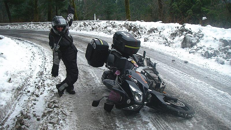 20161230-tmw-noticias-consejos-basicos-para-conducir-una-moto-con-mal-tiempo