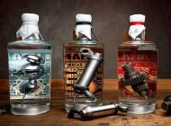 La caña..!! Botellas de Ginebra con partes del motor de una Harley-Davidson