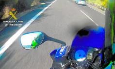 Reacción de la DGT al encontrar la GoPro de 2 motoristas que circulaban a 286 kms/h