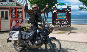 El cordobés Xuankar del Club Mas-Gas, llega al fin del mundo con su moto