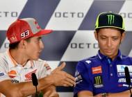 Valentino Rossi le niega la mano a Marc Márquez
