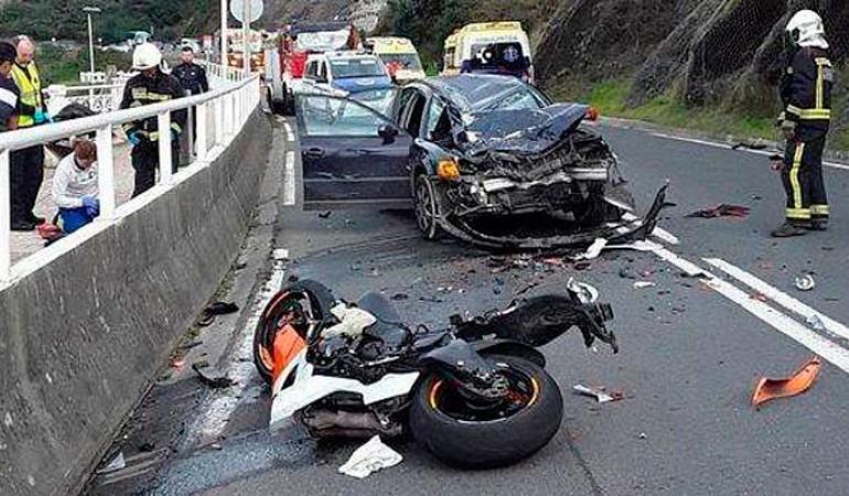 Fallecen dos motoristas en Barakaldo y Deba