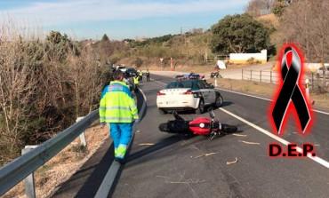 Muere un motorista de 38 años tras chocar contra el guardarrail